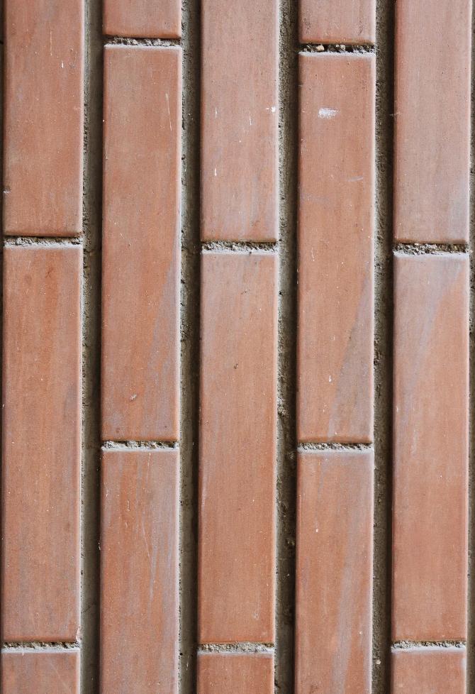 Fassade:  (aus Keramik)