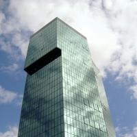 Fassade:  (aus Glas)