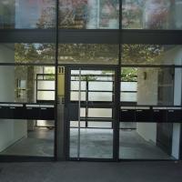 Eingangsbereich: Eingangsbereich (aus Glas und Metall)