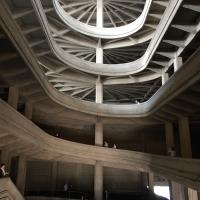 Rampe: Spiraförmige Rampe der fünfgeschossigen Fabrik