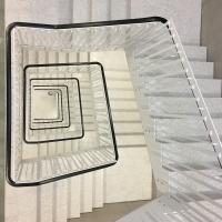 Geländer: Weisses Staketengeländer (aus Metall)