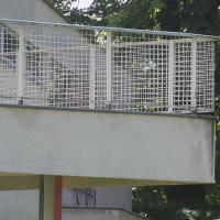 Geländer: Das Geländer mit Gitterfüllung (aus Metall)