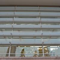 Fassade: Sinnenschutz (aus Glas und Metall)
