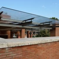 Aussenraum: Perfola (aus Glas und Mauerwerk)