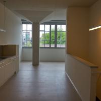 Wohnen: Maisonettewohnung mit Küche und Treppe