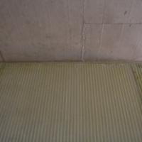 Wohnen: Detail der Abtrennung Zimmer (aus Beton)