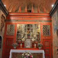 Kirchenraum (aus Mauerwerk)