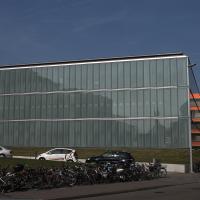 Fassade: Die Glasfassade von der Spitalstrasse (aus Glas)