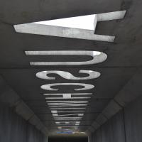 Aussenraum:  (aus Beton)