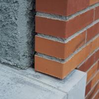 Sockelanschluss:  (aus Beton und Mauerwerk)