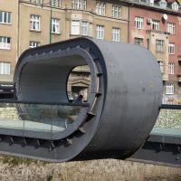 Eine neue Brücke (aus Metall)