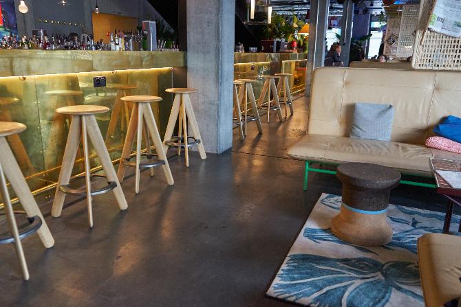 Gestaltung der Lounge mit Teppich