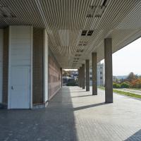 Aussenraum: Der offene Gang rundrum