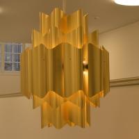 Einbauten: Goldene Leuchter (aus Metall)
