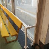 Geländer: Detail der Brüstung vor der Verglasung