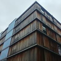 Fassade:  (aus Holz)