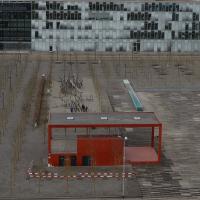 Blick auf den Pavillion und über den Platz