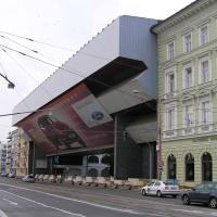 Fassade: Die neue Nationalgalerie von vorn (aus Metall)