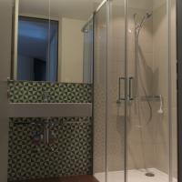 Sanitär: Bad mit Dusche