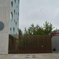 Aussenraum: Tor und Zaun