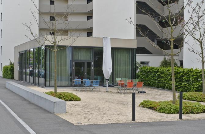 Pavillion für Eingang und Cafe
