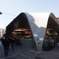 Dach: Das Dach aus Beton spannt sich auf (aus Beton)