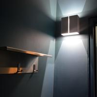Sanitär: Beleuchtung und Hakenleiste Dusche
